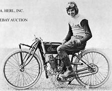 "Indian 8-valve V-twin 1921 factory racer & Albert ""Shrimp"" Burns - 1921 - photo"