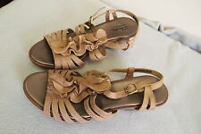 NIce Women's Brown  Leather  Clarks  Bendables  Wedge Sandals Size  US 7 M