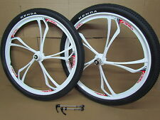 "26"" MTB Bicycle Bike Disc 8/9/10 Speed Magnesium Alloy White Wheel set + Tyres"