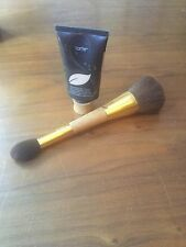 TARTE Amazonian Clay 12 Hour Foundation Light Sand  &  Brush  50ml