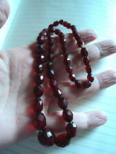BEAUTIFUL HAND FACETED ART DECO GRADUATED CHERRY AMBER BAKELITE BEAD NECKLACE