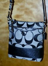 COACH SIGNATURE CROSSBODY Stripe SWINGPACK Purse Shoulder 45797 Black White
