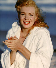 Marilyn Monroe UNSIGNED photo - C2012 - BEAUTIFUL!!!!!!