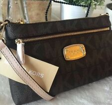 MICHAEL KORS JET SET ITEM Large Wristlet MK SIGNATURE PVC - BROWN