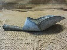 Vintage Metal Scoop   Antique Old Store Grain Shovel Kitchen Seed Farm 9586