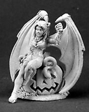 Reaper Miniatures SOPHIE THE SUCCUBUS IN CAT COSTUME Special Edition 01416