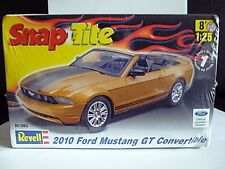 REVELL 2010 FORD MUSTANG GT CONVERTIBLE 1/25 SCALE SNAP-TITE MODEL KIT