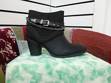 Black chunky heel ankle boots with chain design womens size 4