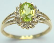 STUNNING 9KT YELLOW GOLD OVAL PERIDOT & DIAMOND RING  SIZE 7