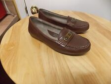 Naturalizer Brown Leather Loafer, 9W