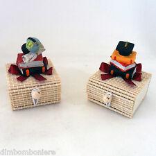 Offerta stock Bomboniere confettate scatoline bambu laurea tocco pergamena libri
