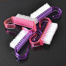 2Pcs Plastic Soft Remove Dust Angle Cleaner Nail Cleaning Brush Random Color