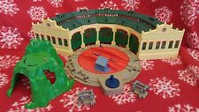 Thomas & Friends Trackmaster Tidmouth Sheds with Helepad Mountain and 2 buffers