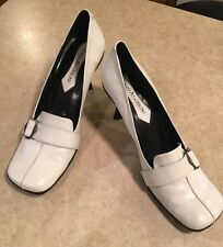 Enzo Angiolini White Heels W Buckle On Top Of Shoe Size 7M