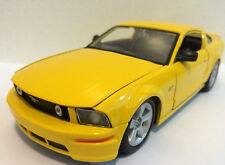 """Maisto 2006 Ford Mustang GT 1:24 scale 8"""" diecast are model Yellow"""