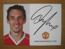 2006-07 Gary Neville Signed Man Utd Club Card (3424)