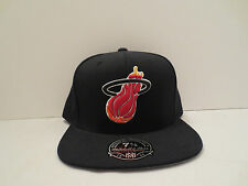 MITCHELL & NESS NBA MIAMI HEAT TEAM SOLID FITTED CAP HAT SIZE 8 NWT BLACK