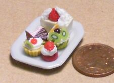 1:12 Scale 5 Assorted Cakes On A Ceramic Plate Dolls House Miniatures PL57a