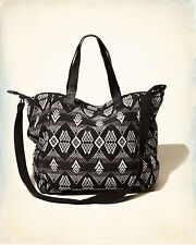 BNWT HOLLISTER BLACK / WHITE WOVEN PATTERN TOTE BAG