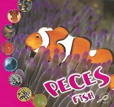 Peces: Fish (Que Es Un Animal? Biblioteca Del Descubrimiento/What Is A-ExLibrary