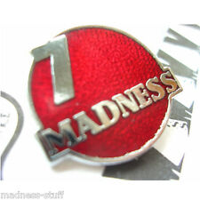 MADNESS - RED 'MADNESS 7' DIAL-A-STYLE ENAMEL BADGE - SUGGS SKA TWO TONE STIFF