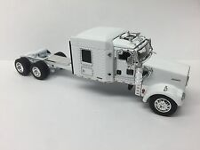 WHITE DCP 1/64 KENWORTH W900L PARTS TRUCK