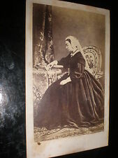 Cdv old photograph Queen Victoria looking at a photograph c1860s ref 30Z3
