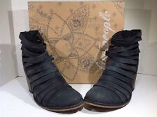 Free People Women's Size 8 EU 38 Hybrid Heel Black Suede Ankle Boots ZF-853