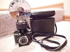 VINTAGE MID CENTURY BEACON II CAMERA AND FLASH WITH LEATHER CASE 127 FILM