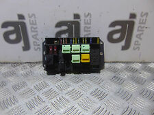 LAND ROVER RANGE ROVER 3.0 2004 FUSE & RELAY BOX - YQE000351