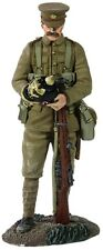 BRITAINS WORLD WAR 1 23068 1914 BRITISH INFANTRY WITH SOUVENIR GERMAN HELMET MIB