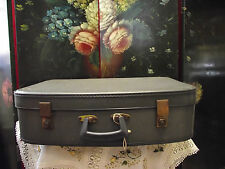 VINTAGE RETRO SUITCASE WITH KEY IN BLUE 1950's/60's SHABBY CHIC STORAGE/DISPLAY