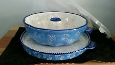 Temp-tations old world  fluted  Tube pan /serving tray/cover  blue  *