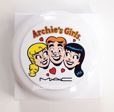 MAC Archie's Girls; Flatter Me Face Powder
