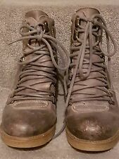 Grey leather wedged lace-up boots Size 38