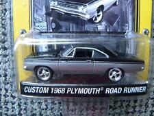 CUSTOM 1968 PLYMOUTH ROAD RUNNER       2007 GREENLIGHT MUSCLE CAR GARAGE    1:64