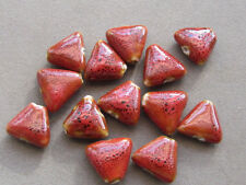 15 Red Triangle 16x15x15mm Porcelain Beads (K24i3)