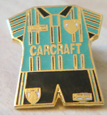ROCHDALE 1995-96 Away shirt type badge Brooch pin in gilt 20mm x 22mm