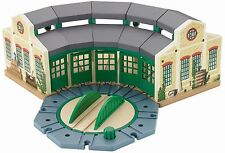 Thomas Wooden Railway Tidmouth Sheds TRAIN SET, Kids Toy TRAIN PLAYSET