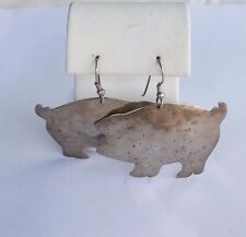 WHIMSICAL STERLING SILVER ''SWEET PEA'' PIGGY PIG EARRINGS.