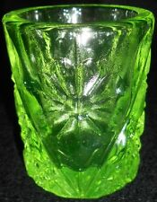 Green Vaseline glass toothpick holder uranium flower Daisy and button sunflower