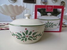 LENOX CHINA HOLIDAY COVERED CASSEROLE. CHRISTMAS. WINTER HOLLY. NEW