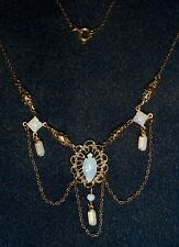 VINTAGE FABULOUS DRAMATIC OPALESCENT GLASS & FILIGREE BRASS NECKLACE WHITE