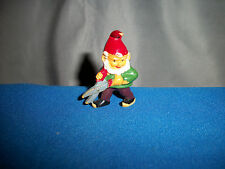 GNOME Hedge TRIMMERS CLIPPERS Figurine Kinder SURPRISE GERMAN 1989 ZWERGE Shears