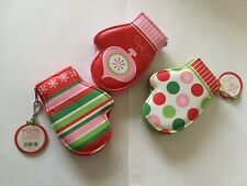 Christmas Holiday Design Mitten Manicure Set - 1 x Random Colour set selected