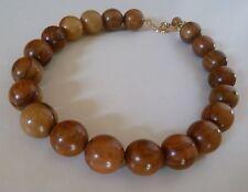 collier en bois d'olivier ras du cou  réglable 20 perles