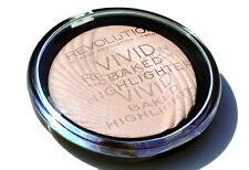 Makeup Revolution Face Powder Baked Highlighter Illuminating Powder Peach Lights
