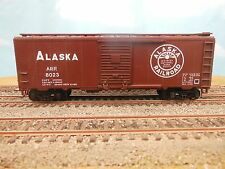 HO SCALE ALASKA ARR 8023 40' BOX CAR CUSTOM DECORATED