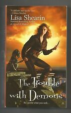 Raine Benares: The Trouble with Demons 3 - Lisa Shearin 2009 Pprbck Ace Fantasy
