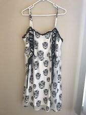 Torrid Size 1  NWT White Summer Dress With Corset Lacing And Skulk Print HOT!
